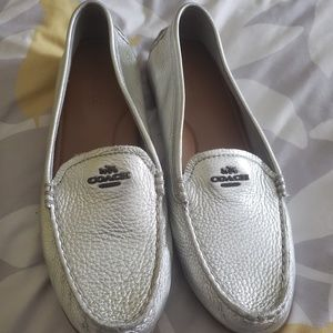 NWOT Coach Mary Lock Up Metallic Loafers